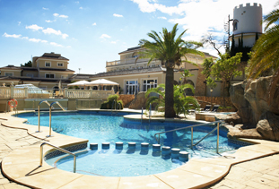 Akinon Resort, Spain