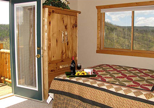 Pikes Peak Resort Colorado USA use Hotelogix PMS